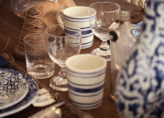 Découvrez notre sélection d'assiettes, de verres, mugs, carafes ...